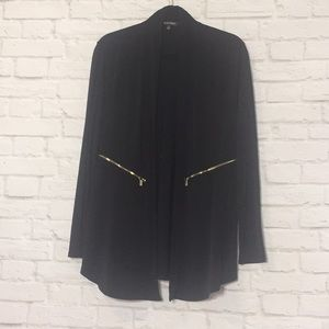 Black long sleeve jacket w/pockets